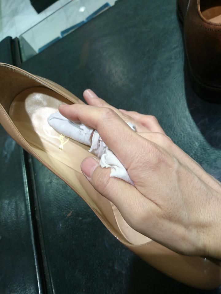革靴の中底(中敷き)もお手入れできますよ♪_b0226322_12404149.jpg