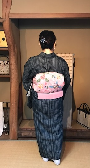 お客様コーデ・夏牛首+栗山紅型帯で栗山さんのパーティへ。_f0181251_18131197.jpg