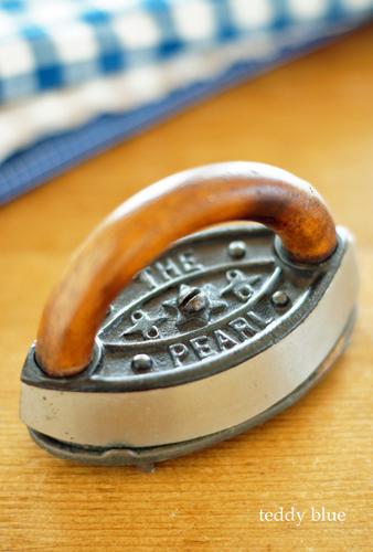 antique miniature iron  アンティーク ミニチュアアイロン_e0253364_00320529.jpg