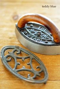 antique miniature iron  アンティーク ミニチュアアイロン_e0253364_00410315.jpg