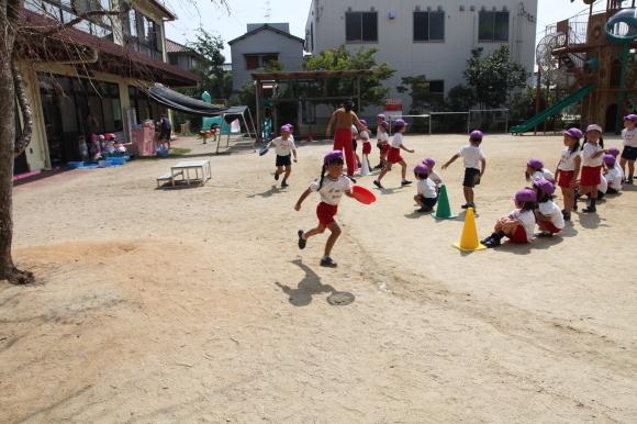元気に園庭遊び_b0277979_15285023.jpg