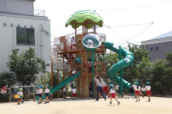 元気に園庭遊び_b0277979_15290421.jpg