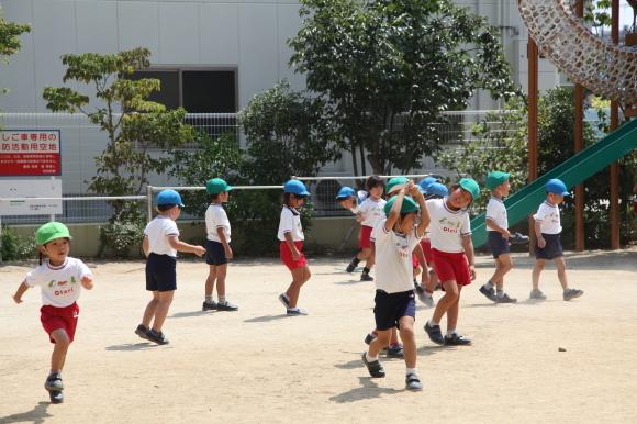 元気に園庭遊び_b0277979_15292451.jpg