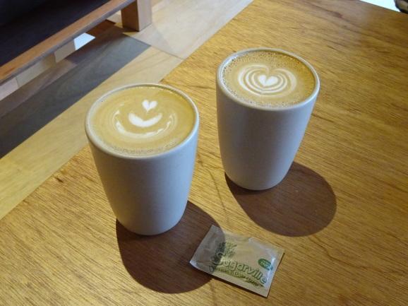 Coffee Wrightsでラテ_e0230011_20174226.jpg