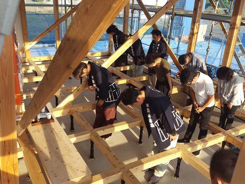木造ドミノ住宅が上棟しました。_a0059217_10084231.jpg