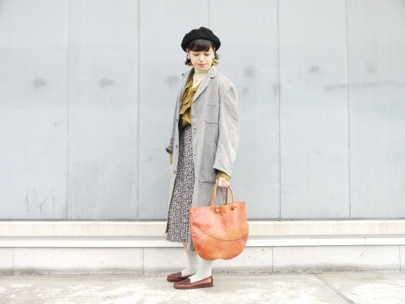 black chambray coat×autumn color_f0335217_16205703.jpg
