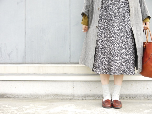 black chambray coat×autumn color_f0335217_16290017.jpg