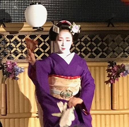 夏の終わりのビアガーデン・祇園新門荘・舞妓・小よしさん。_f0181251_18353790.jpg