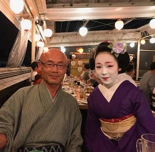 夏の終わりのビアガーデン・祇園新門荘・舞妓・小よしさん。_f0181251_18374936.jpg