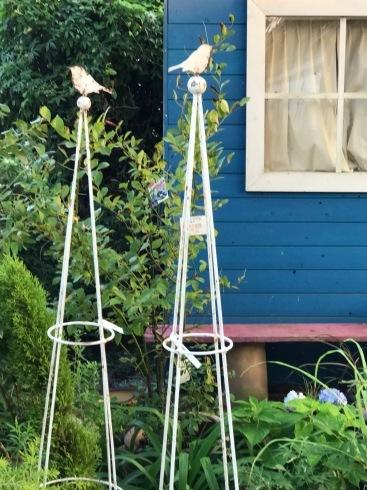 ちょっとしたGardenオーナメントでお庭の表情が変わると思うのです✨_b0137969_05394973.jpg