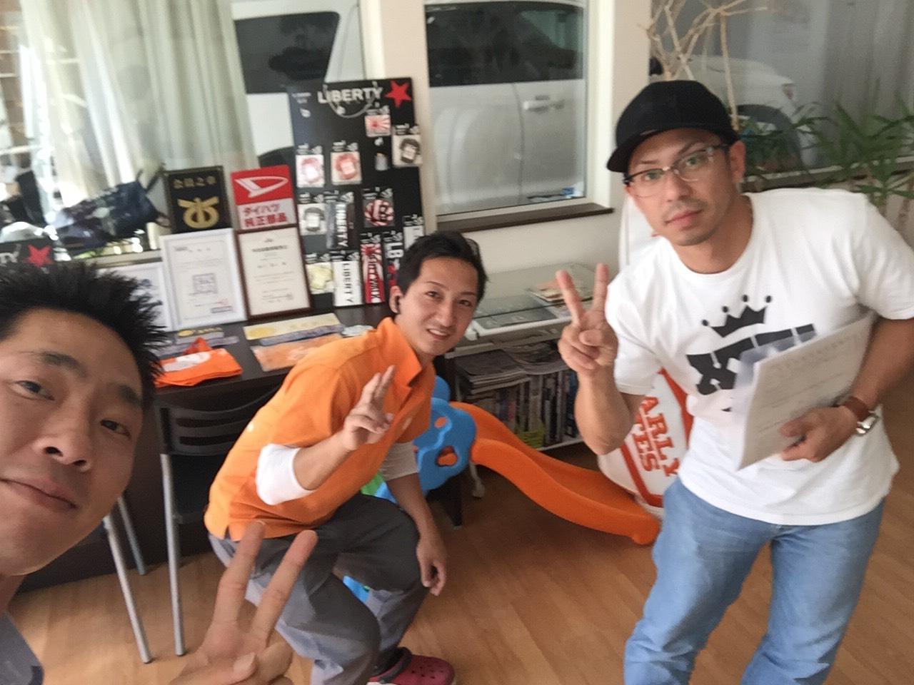 8月31日 8月最終日のひとログ!(´▽`) 2台ご成約!!1台買取成約!!ご成約祭り!!_b0127002_1743341.jpg