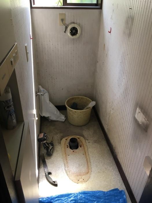トイレ交換 TOTO タンクレス_e0243413_11542956.jpg