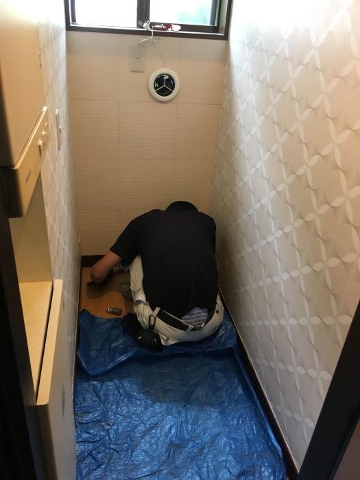 トイレ交換 TOTO タンクレス_e0243413_11543916.jpg