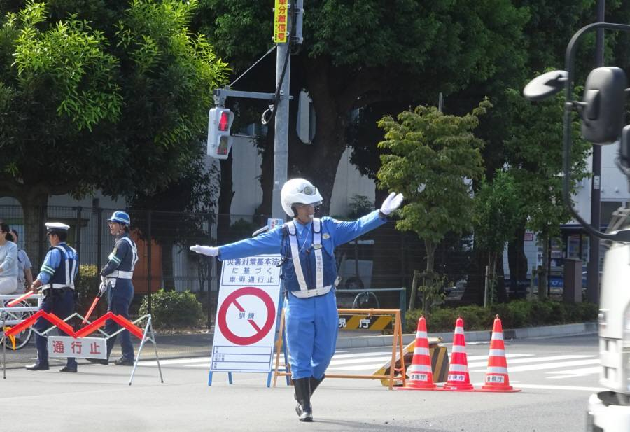 府中街道でも防災訓練に伴う交通規制_f0059673_19322887.jpg
