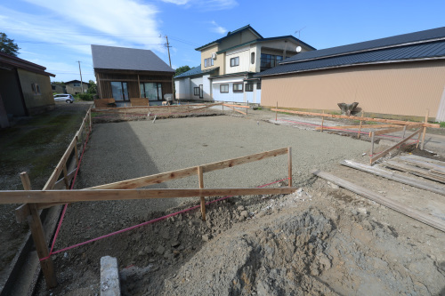 Q1住宅三種別棟:砕石事業_e0054299_16031835.jpg