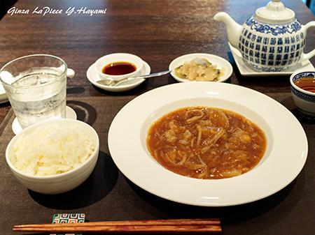 料理の風景 フカヒレ煮込み_b0133053_23481337.jpg