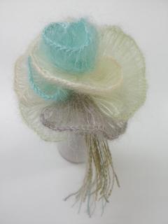 「シルクモヘアで作る バラのコサージュ」_f0084988_1352369.jpg
