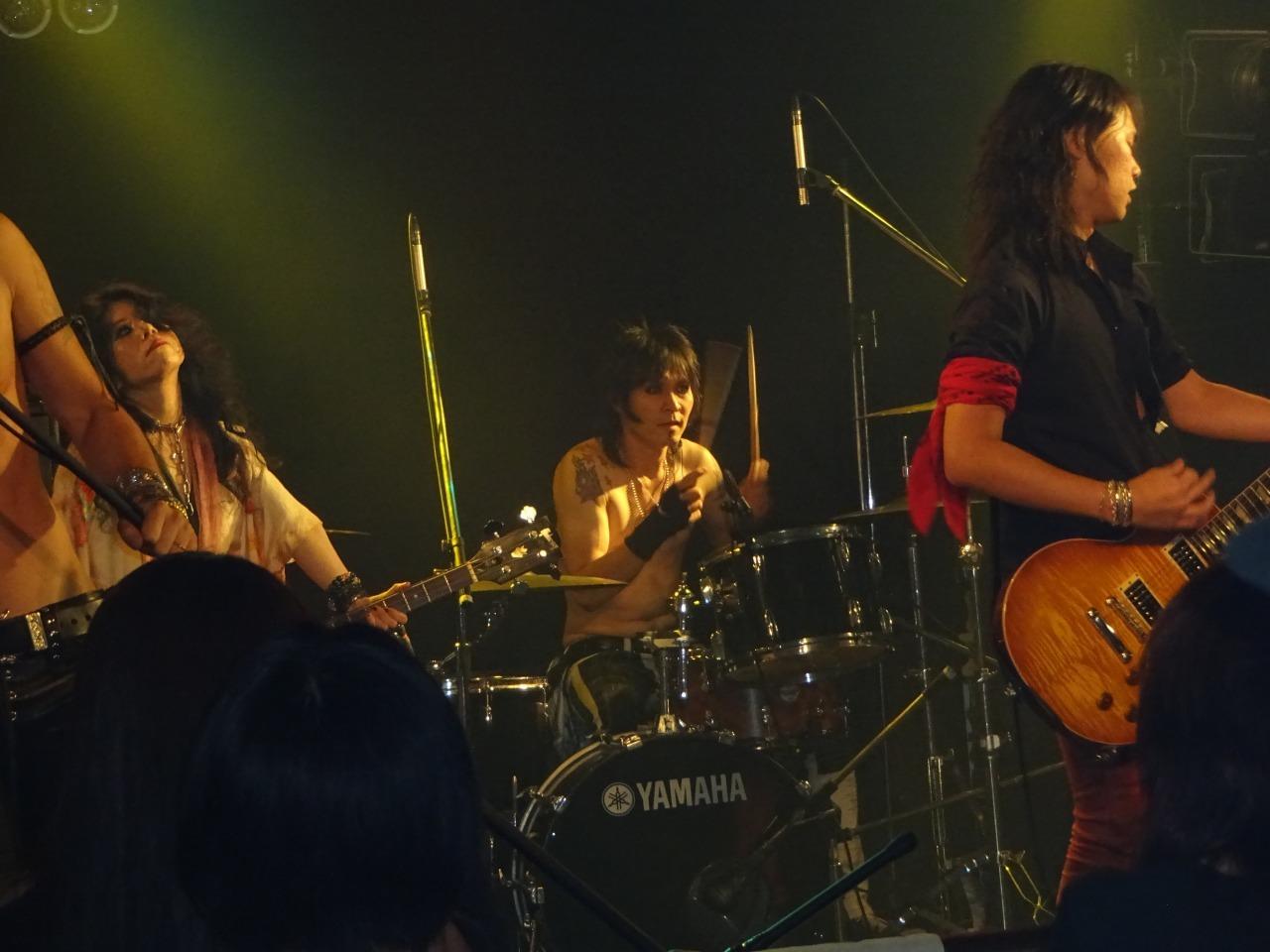 先輩TOMO氏のライブを観に行く!西川口ハーツ!_d0061678_16583415.jpg