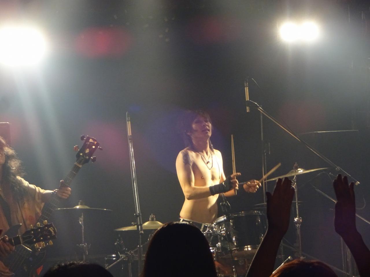 先輩TOMO氏のライブを観に行く!西川口ハーツ!_d0061678_16583527.jpg