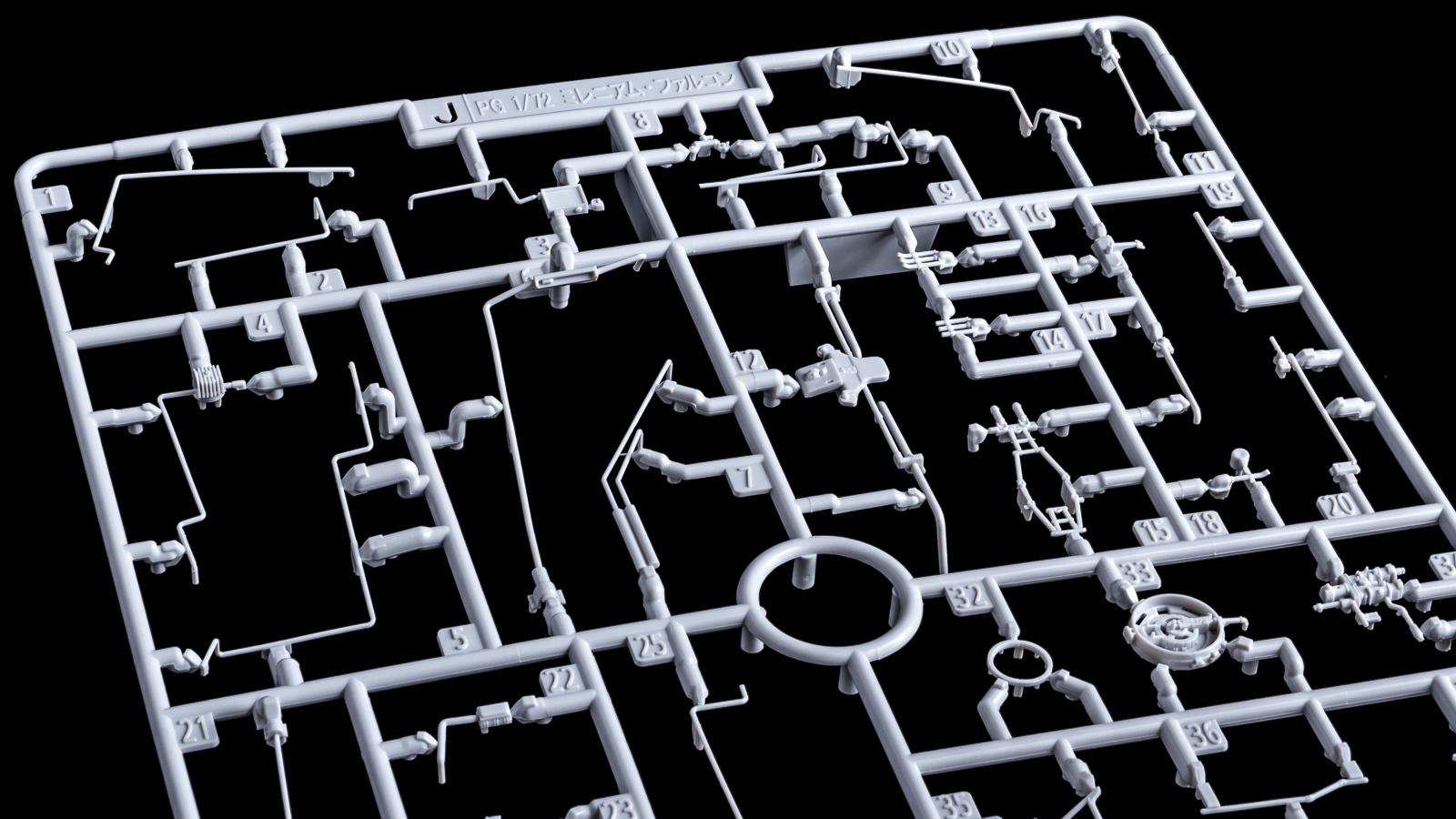 """「模型で作った模型の模型」、バンダイのミレニアムファルコンが持つ\""""パーフェクト\""""の意味【前編】_b0029315_00272403.jpg"""