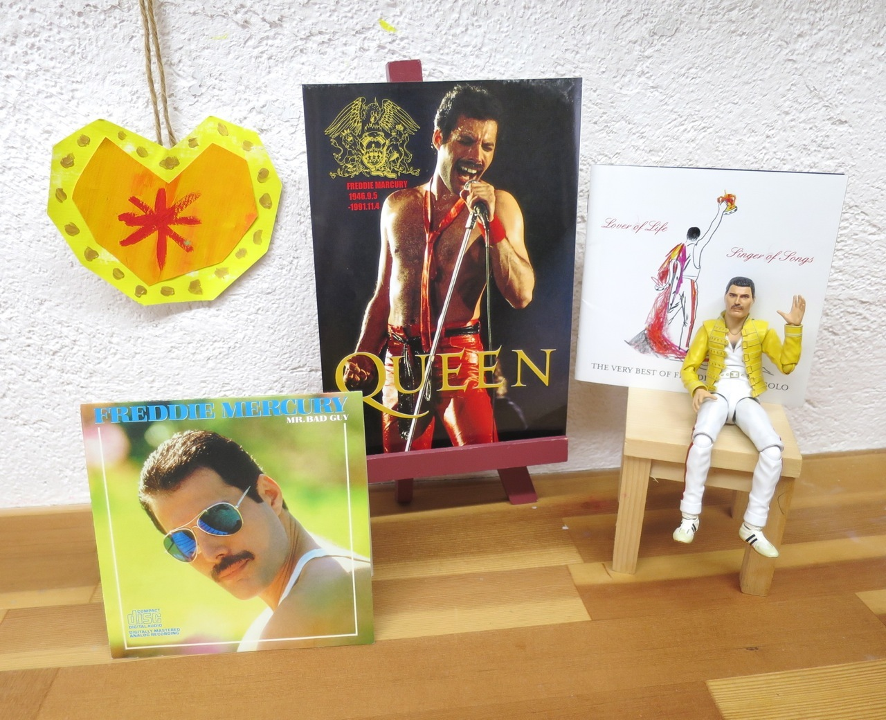 Happy Birthday, Freddie !!_b0181015_19560599.jpg