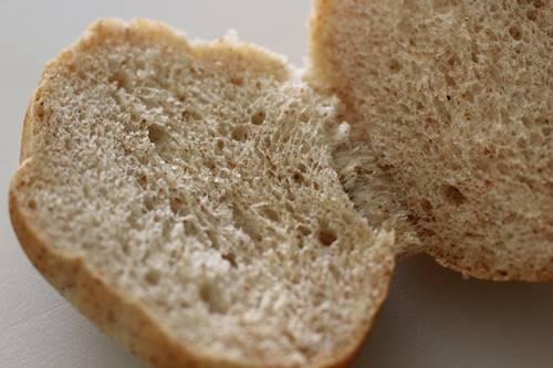 小麦胚芽ロールでハムチーサンド_a0165538_10143221.jpg