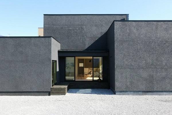 Case Study House が出来るまで5/ 美しい黒と白の家。_a0299347_12041063.jpg