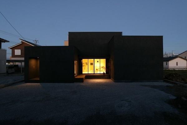 Case Study House が出来るまで5/ 美しい黒と白の家。_a0299347_12131234.jpg