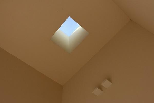 Case Study House が出来るまで5/ 美しい黒と白の家。_a0299347_13404305.jpg