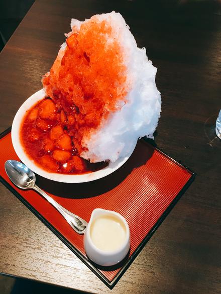 志むらの いちごかき氷! _f0179404_21072027.jpg