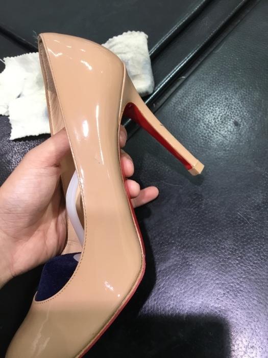 ルブタン エナメル靴のお手入れ_b0226322_14053462.jpg