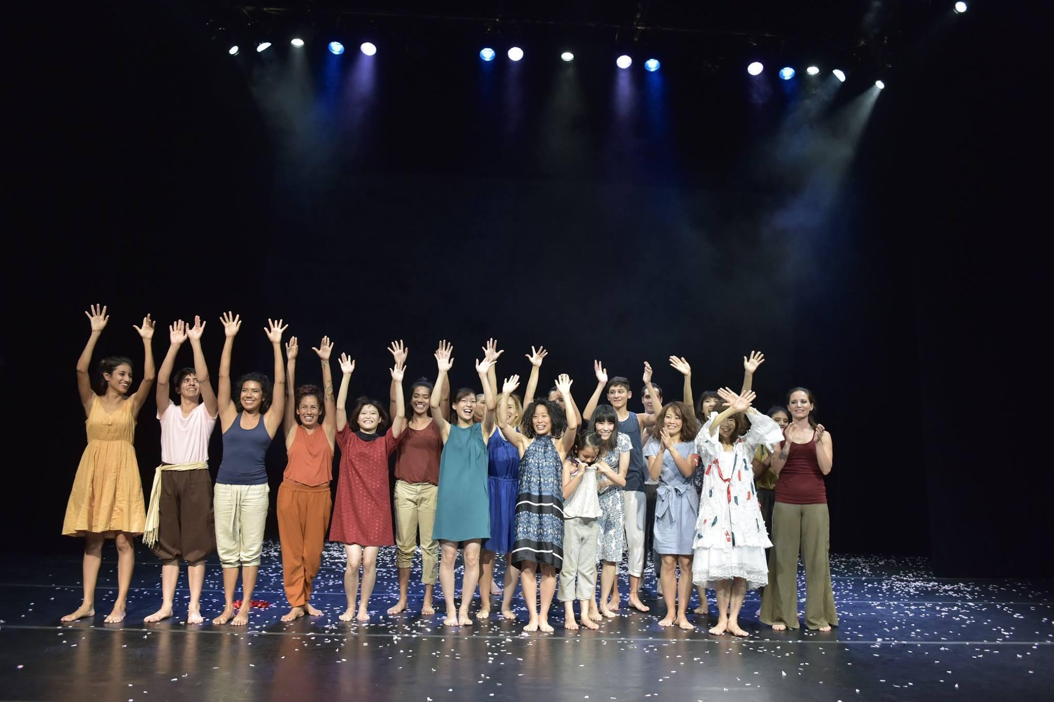 メキシコ公演を終えたマドモアゼル・シネマの一行が凱旋帰国_d0178431_20071048.jpg