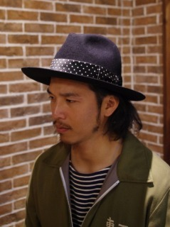 HATの男はカッコいい。_d0100143_22381683.jpg