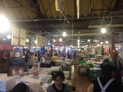 鳥取港海鮮産物市場かろいち  若林商店 ご馳走空間_e0115904_21581593.jpg