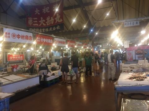 鳥取港海鮮産物市場かろいち  若林商店 ご馳走空間_e0115904_21590155.jpg