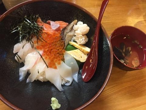 鳥取港海鮮産物市場かろいち  若林商店 ご馳走空間_e0115904_23233790.jpg