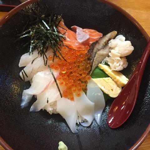 鳥取港海鮮産物市場かろいち  若林商店 ご馳走空間_e0115904_23233955.jpg