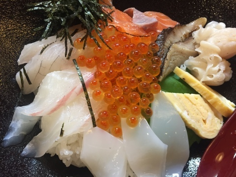 鳥取港海鮮産物市場かろいち  若林商店 ご馳走空間_e0115904_23303590.jpg