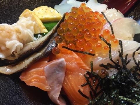 鳥取港海鮮産物市場かろいち  若林商店 ご馳走空間_e0115904_23404982.jpg
