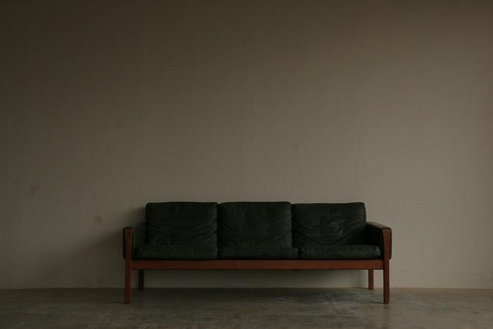 『Hans J Wegner AP62 3 Seat Sofa(Teak)』_c0211307_1017157.jpg