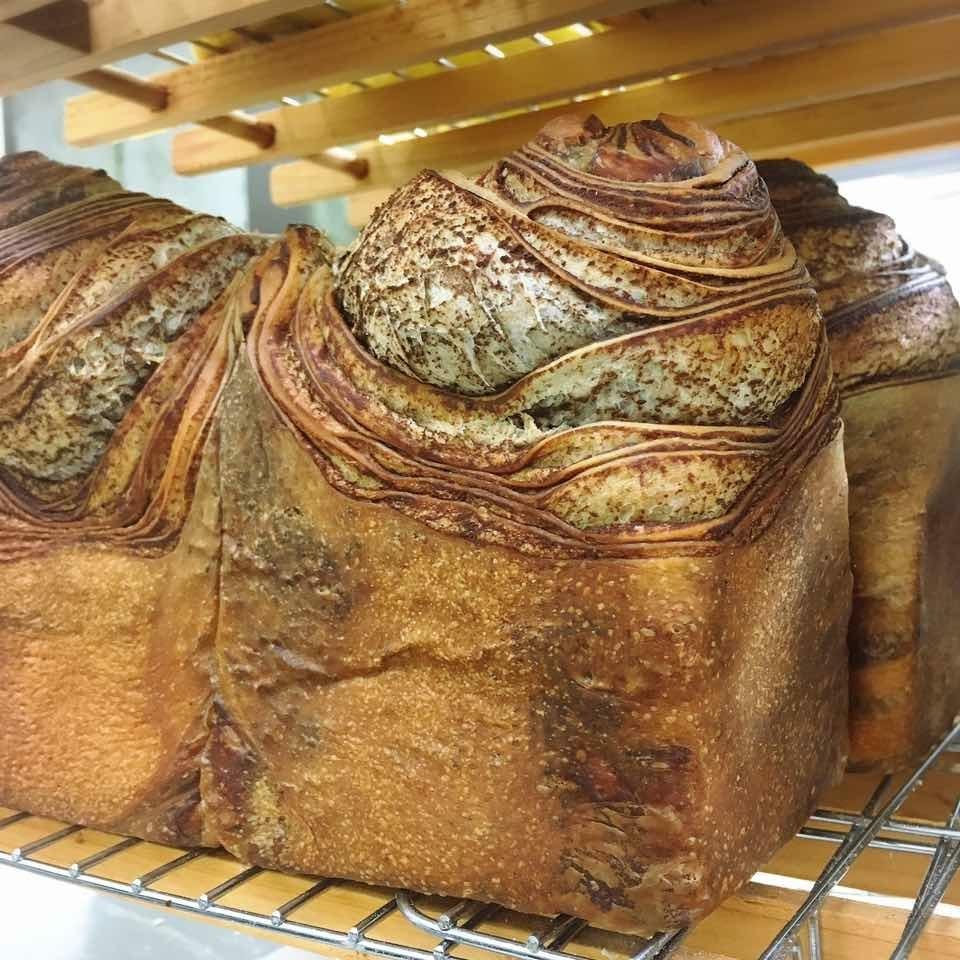おいしいおいしいパンたち販売日。_c0199544_08131581.jpg