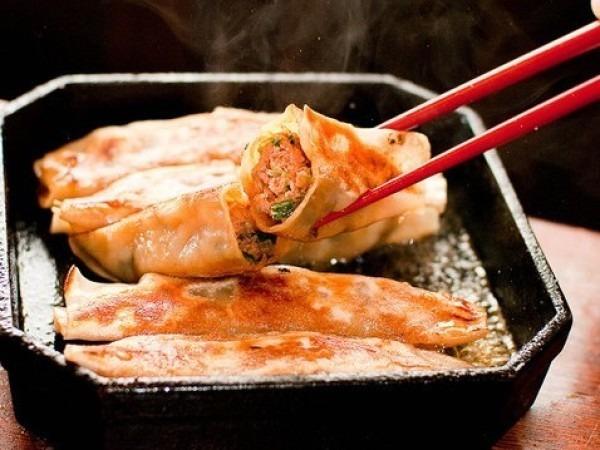 百円餃子。それほど餃子感は無かった。普通の中華料理屋だった。スケボーいくんで簡単に。入荷はレディース、メンズ、フランスヴィンテージワークウエア_f0180307_18595318.jpg