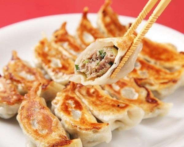 百円餃子。それほど餃子感は無かった。普通の中華料理屋だった。スケボーいくんで簡単に。入荷はレディース、メンズ、フランスヴィンテージワークウエア_f0180307_18595324.jpg