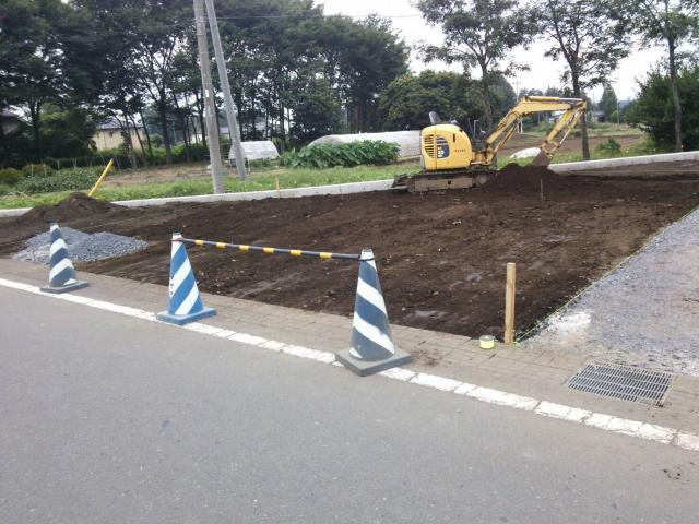 8/25 外構工事(下野市・掘削作業)_c0313938_15453209.jpg