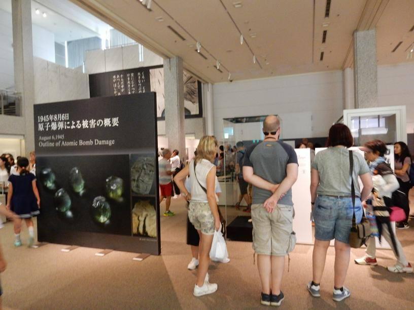 2つも世界遺産がある広島県には欧米客が多く、インド人ツアーもいた_b0235153_15565276.jpg