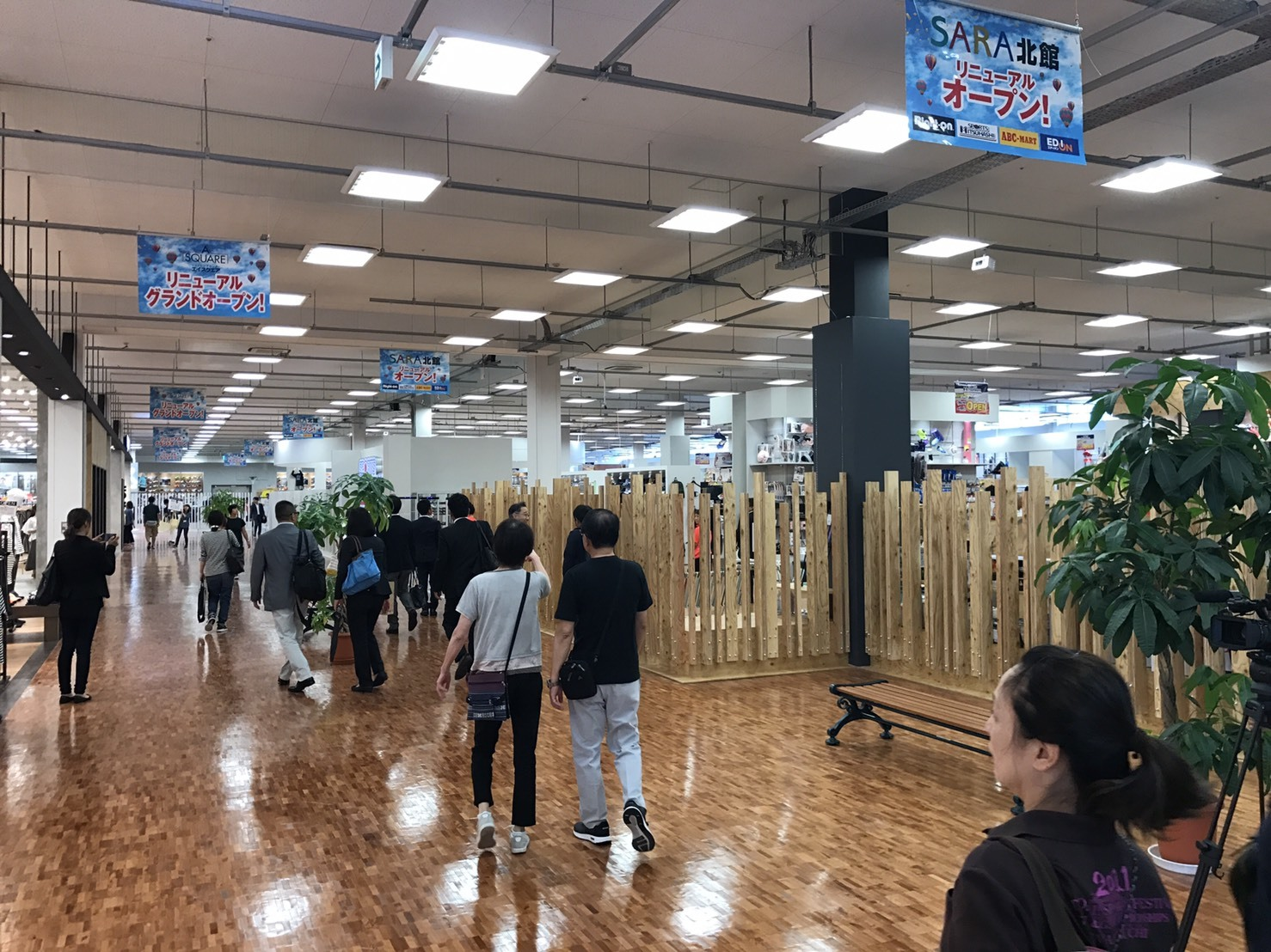 SPORTS MITSUHASHI様 草津エイスクエア店OPEN!_f0300358_17583580.jpg