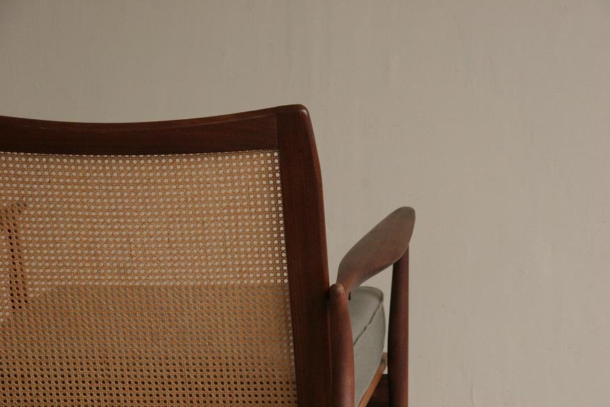 『wallnut&Rattan Easy Chair』_c0211307_21333135.jpg