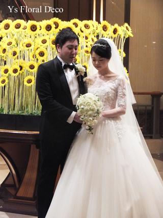 白バラと小花のティアドロップブーケ 帝国ホテルさんへ_b0113510_16510750.jpg