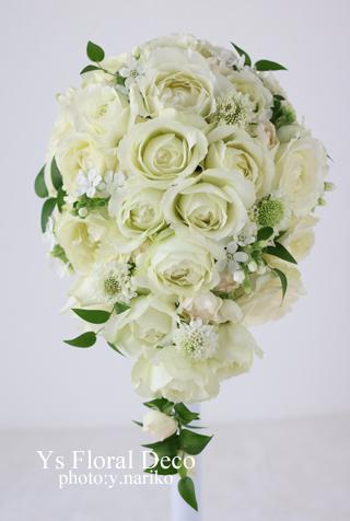 白バラと小花のティアドロップブーケ 帝国ホテルさんへ_b0113510_16511963.jpg