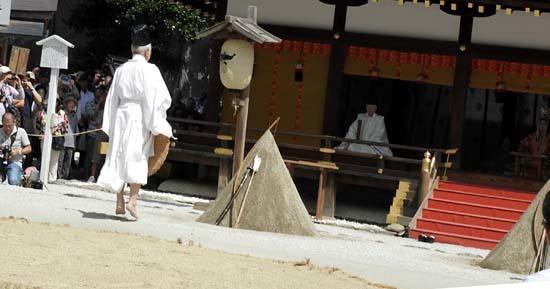 上賀茂神社 重陽の神事_e0048413_13550406.jpg